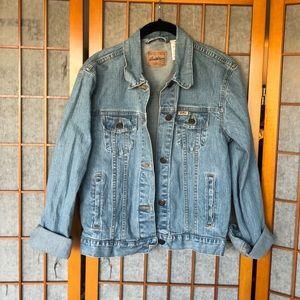 Classic light wash trucker jacket x Levi's